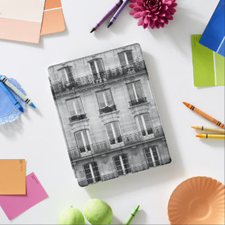 Travel | Black and White Vintage Building In Paris iPad Cover