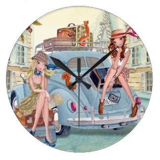 Travel girls in Paris - Clock