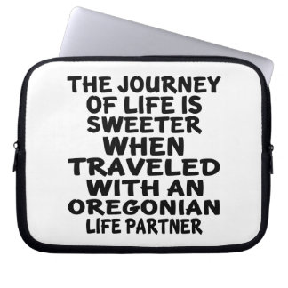 Traveled With A Oregonian Life Partner Laptop Sleeve