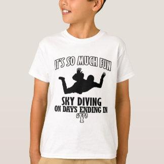 Trending cool sky-diving designs T-Shirt