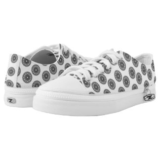 Trendy black pattern low tops
