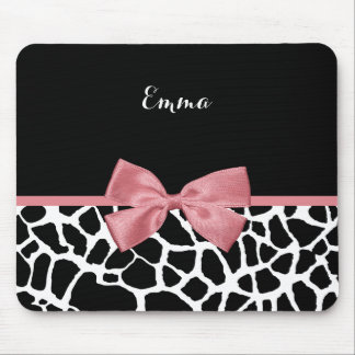 Trendy Giraffe Print Rosy Pink Bow With Name Mouse Pad
