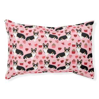 Tri Corgi Valentines dog design - pink Pet Bed