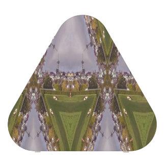 Triangle city pattern speaker