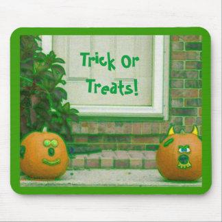 Trick Or Treat Pumpkins on Doorstep Mouse Pad