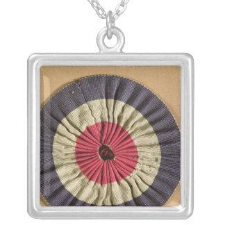 Tricolore rosette square pendant necklace