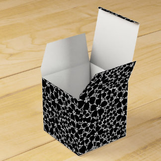 Tropical black and white hibiscus favour box