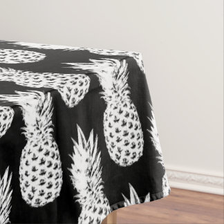 Tropical black pineapple fruit pattern tablecloth