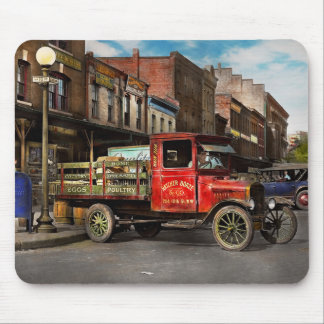Truck - Home dressed poultry 1926 Mouse Pad