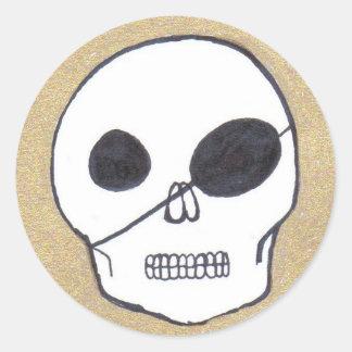 True pirates round sticker