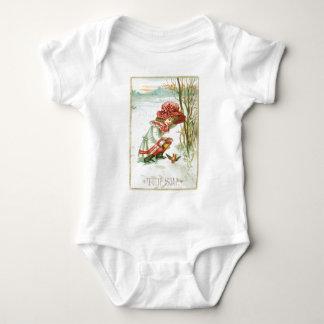 Tulip Soap Girl with Bird T-shirt