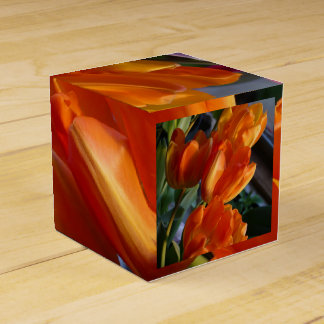 Tulip wedding favor box