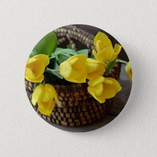 tulips 6 cm round badge