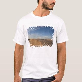 Tunisia, Sahara Desert, Douz, Great Dune, dusk T-Shirt