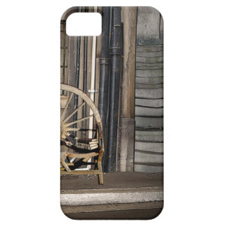 TWILIGHT ALLEY CASE FOR THE iPhone 5