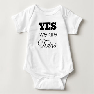 Twin Baby Gift Ideas 'Yes We Are Twins' Baby Bodysuit