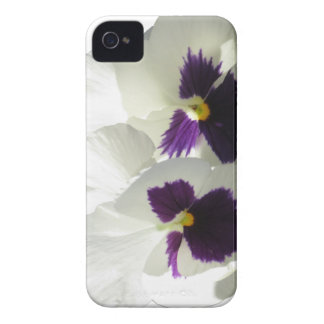 TWO HAPPY PANSIES Case-Mate iPhone 4 CASE