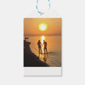Two lovers at sunrise gift tags
