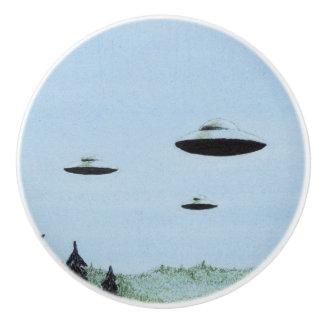 UFO Trio Ceramic Knob