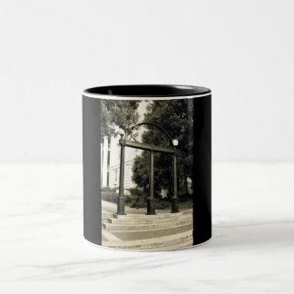 UGA Arch mug
