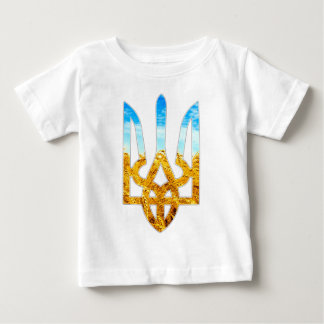 Ukrainian tryzub background of wheat and blue sky t shirt