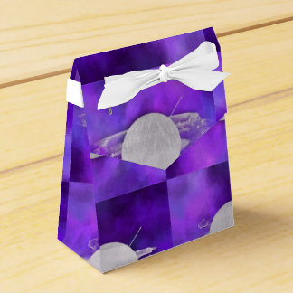 ultra violet, modern,purple,triangle,silver,trendy favour box