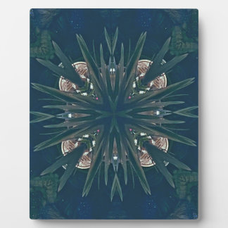 Uncommon Contemporary Artistic Pattern Plaque