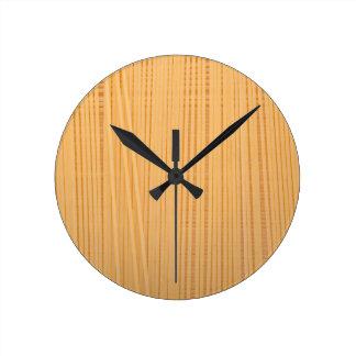 Uncooked spaghetti round clock