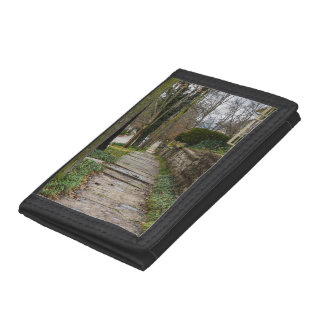 Unlevel Pathway Tri-fold Wallets