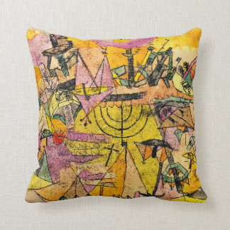 Unstern der Schiffe, The Unlucky Ships Throw Pillow