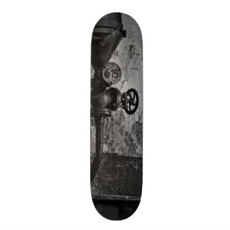 urbex 515 black and white skateboard deck