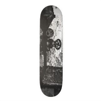 urbex 515 high contrast black and white skate boards