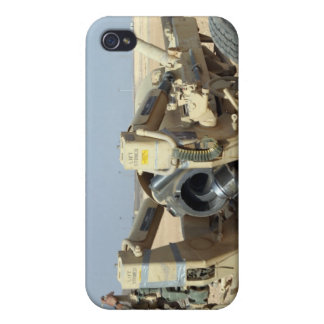 US Marines prepare to fire a howitzer 2 iPhone 4/4S Covers