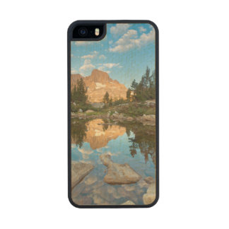 USA, California, Inyo National Forest. 2 Carved® Maple iPhone 5 Slim Case