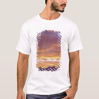 USA, California, Sunset over the Sierra Nevada T-Shirt