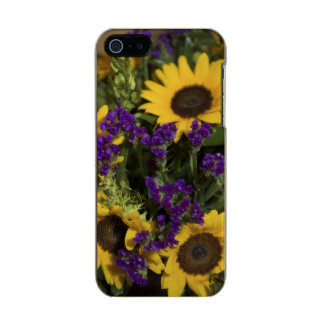 USA, close-up of bridal flower arrangement, Incipio Feather® Shine iPhone 5 Case