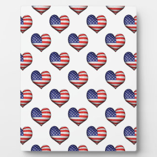 Usa Grunge Heart Shaped Flag Pattern Plaque