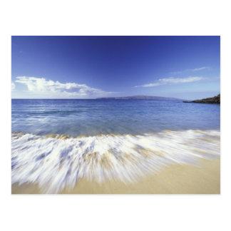 USA, Hawaii, Maui, Surf coming in to Makena Postcard