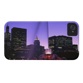 USA, IL, Chicago. Buckingham Fountain in Grant iPhone 4 Covers