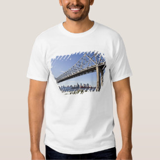 USA, Louisiana, New Orleans. Skyline from the 2 T-shirt
