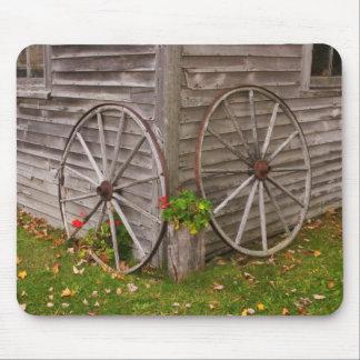 USA, Main. Wagon Wheels Mouse Pad