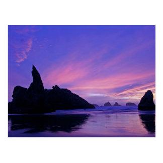 USA, Oregon, Bandon Beach. Silhouette of sea Postcard