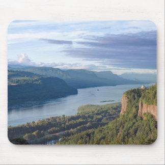 USA, Oregon, Columbia River Gorge, Vista House Mousepad