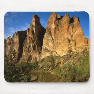 USA, Oregon, Granite Cliffs At Smith Rock State Mouse Pad