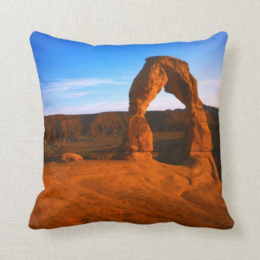 USA, Utah, Arches National Park, Delicate Arch Pillows
