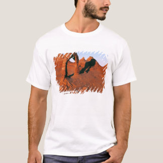 USA, Utah, Arches NP. Delicate Arch is one of T-Shirt
