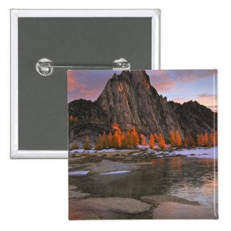 USA, Washington, Cascade Mountains.  Prusik Peak 15 Cm Square Badge