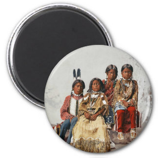 Ute Children 1899 - Vintage hand colored 6 Cm Round Magnet