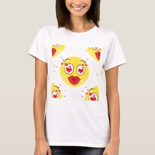Valentine kiss Emoji T-Shirt