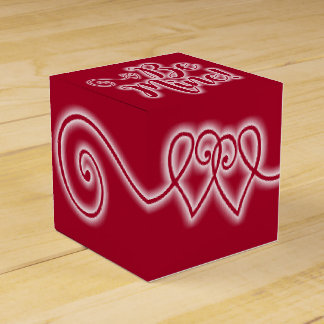 Valentine's Day Favor Box Be Mine Scrolling Hearts